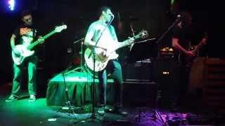 Dusties cantando Oasis