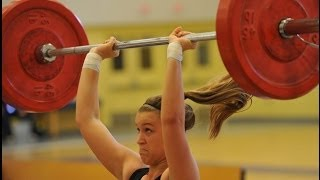 Girl Weightlifting Fail!!!
