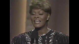 Dionne Warwick- Who can I turn to (live)