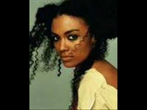 amel-larrieux-gills-and-tails-victornewman06
