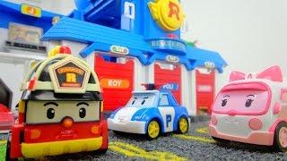 Spielzeugautos von Robocar Poli. Einsatz für die Feuerwehr
