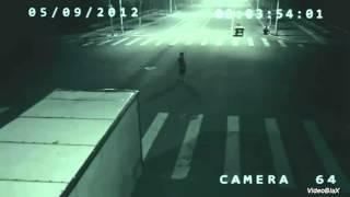 Reportagem Fantástico. Anjo ou um Mutante? Salva ciclista na China.