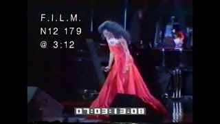Diana Ross rare footage performing Upside Down and Stop in the name of Love