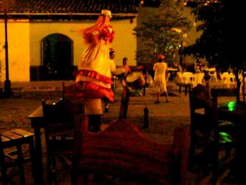 Street entertainment on Calle La Calzada in Granada, Nicaragua