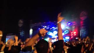 Akon ft.David guetta - CRANK IT UP '2012' played for first time EVER, LIVE in Pune, India.
