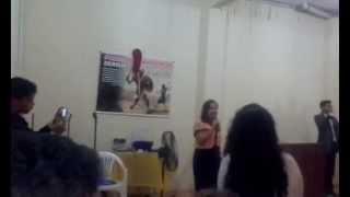 Quem me vê cantando - Karol Nascimento