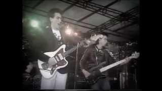 The Cure - M (live 1980) - Lyrics