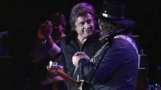 Johnny Cash & Waylon Jennings - Folsom Prison Blues (Live at Farm Aid 1985)