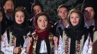 """Iustina Irimia-Cenușă și grupul vocal """"Dorulețul"""" -  Ia sculați, boieri, sculați (colind) - 2016"""