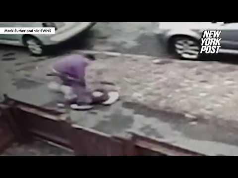 Un hot incearca sa-i fure telefonul