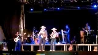 Gedsom o Cowboy na festa do municipio de Rio Bananal 2012.mp4