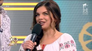 Răzvan și Ana-Maria Ababei discută în versuri: Foaie verde de sub nuci, zi-mi fată...