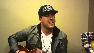 """Mitchell Tenpenny performs """"She Met Me"""" at WGLR"""