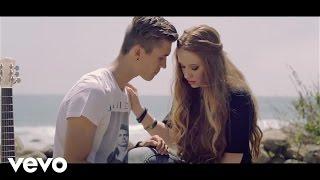 Ian Thomas - The way it feels ft. Bella Blue