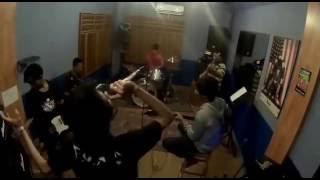 Katchafire - Collie Herb Man ( Cover Singkong Reggae )