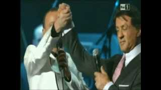 "Sylvester Stallone con Gigi D'Alessio - ""Gigi, tu vuò fà l'americano"""