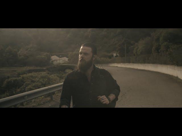 Videoclip ''The Fence'', de Red Beard.