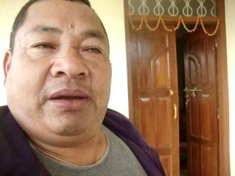 01 Prof. Juan Lázara  en casa del monje Lal Lama.MPG