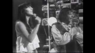 Cher & Sonny - I Got You Babe (Video)