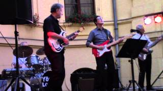 Chattanooga Choo Choo - The Young Lovers play The Shadows 2014 06 22