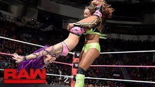 WWE Raw 10/16/17 Sasha Banks vs Alicia Fox width=