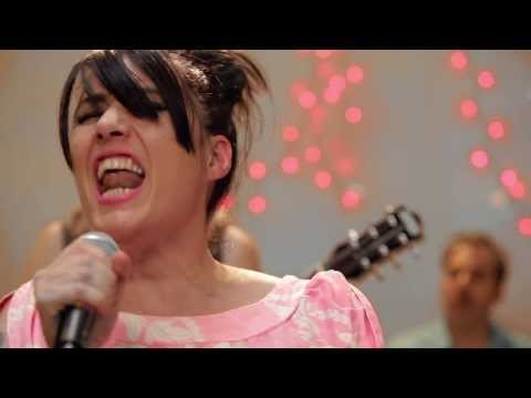 the-julie-ruin-oh-come-on-official-video-the-julie-ruin