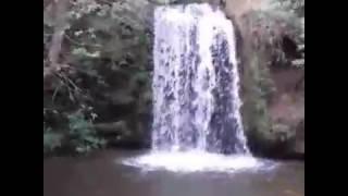 Olha  essa cachoeira