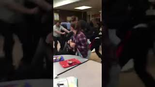 Highschool fight gone wrong ‼️