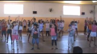 Apresentação Cia Canta e Dança Sem Parar - Mexe Mexe Carrossel