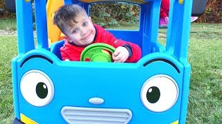 Wheels On The Bus Song | Funny Playground for kids and Nursery Rhymes Songs for children and babies