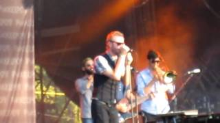 The National - Blood buzz Ohio ( live @ Pukkelpop 2010 )