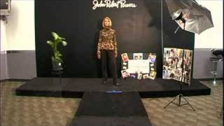 How to Walk Like a Model : Runway Model Turn Combos for Women