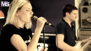 MON STUDIO live cover sessions #35 - PARAMORE (Ignorance)