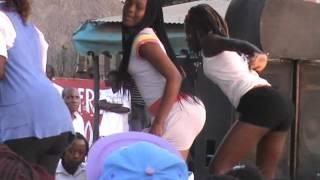 Meninas Dancam Quadradinho no Palco2