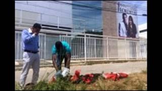 Candomblecistas vandalizam banners e realizam despacho em frente à igreja da cantora Flordelis