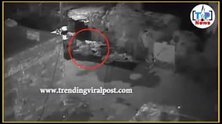 रोड के उपर CCTV camera के सामने किया एक लडकी के साथ Rep || MS NEWS