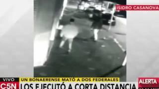 VIDEO: Policía Bonaerense asesina a sangre fría a dos policias de la Federal