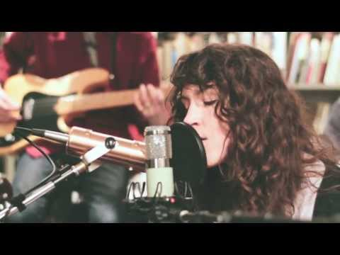 widowspeak-devil-knows-buzzsession-thewildhoneypie