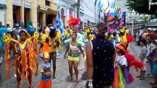 Escolas de samba mirins desfilam na Paulo de Frontin