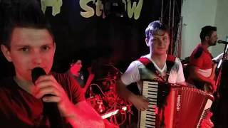 Banda Melodia Show - Bailando Na Vaneira