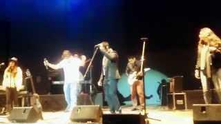 Teloneando a Martin Valverde Lima 2014 - Los Xacs