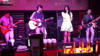 DAISY - Uptown Girl (Cover) @Colors Pub Surabaya