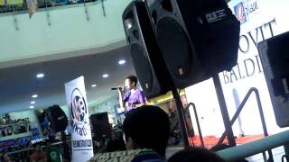 Carrie  song jovit live in robenson tacloban