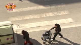 Candid Camera - Solidarietà: scherzi bastardi per strada