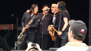 Everclear covering Far Away Eyes by the Rolling Stones