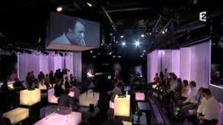 """Chilly Gonzales performs """"Advantage Points"""" for French TV"""