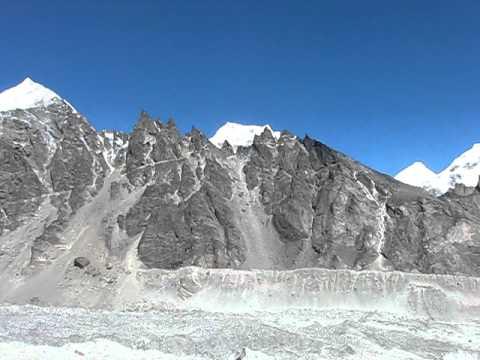 10.10.13.Nepal.Gokyo.Ngozumpa glacier.Cho Oyu SF.bc.MVI_9023.AVI