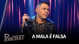 "Felipe Araújo canta o sucesso ""A Mala é Falsa"""