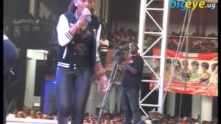 Spicy Diana excites fans with Onsanula on stage width=