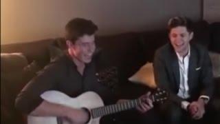 Shawn Mendes & Niall Horan sing Mercy - AMAs 2016